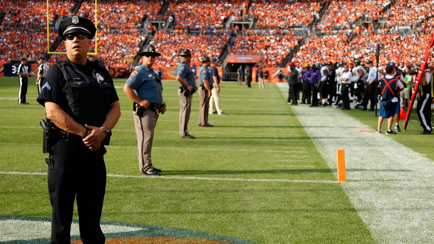 Stadium security and What are the benefits of CCTV cameras