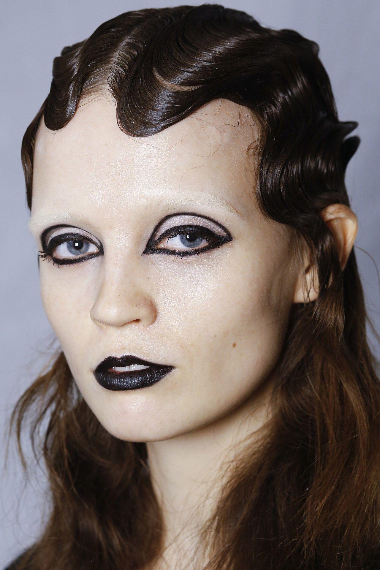 Marc Jacobs Autumn/Winter 2016 ReadyToWear Catwalk