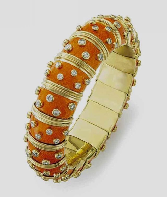 The perfect fall braceletLove the almost pumpkin color of this
