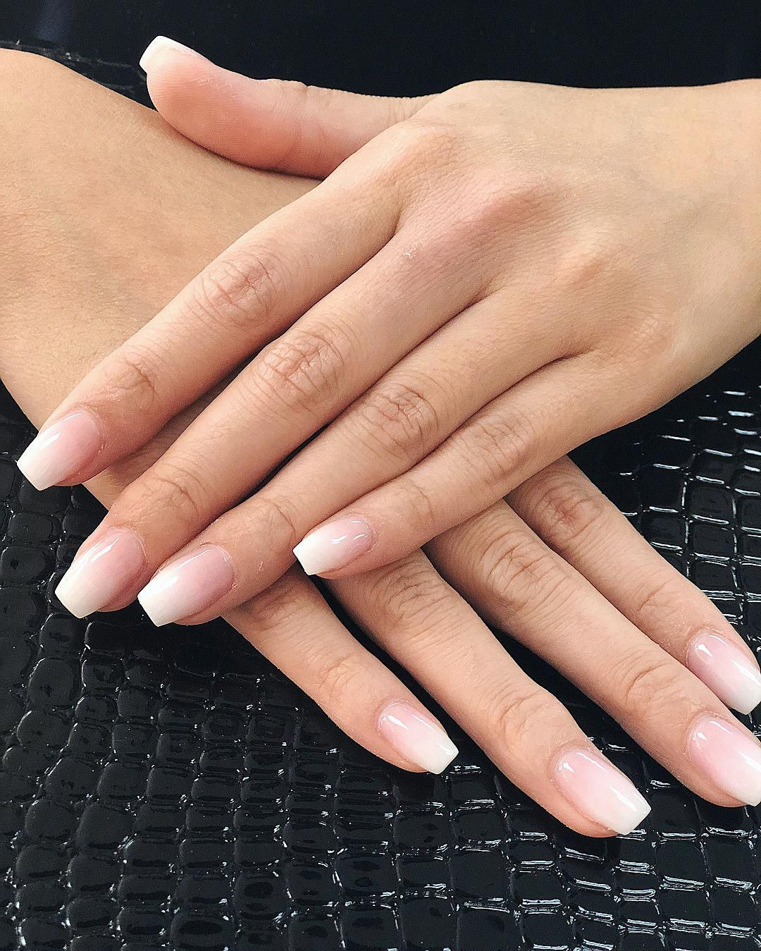 Coffin Shaped Pink White Ombre With Gel Top Coat Nails Nailart Beautiful Luxury Trendy Naildesigns Geln Pink White Nails French Fade Nails Faded Nails