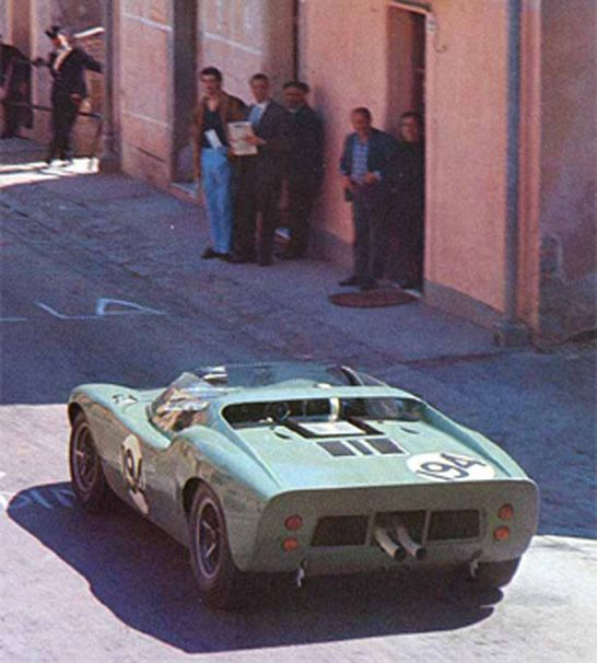 In '65 Bondurant returned to Targa Florio on a Ford Gt 40 spyder with John Whitmore and they finished 31 two laps behind the winners