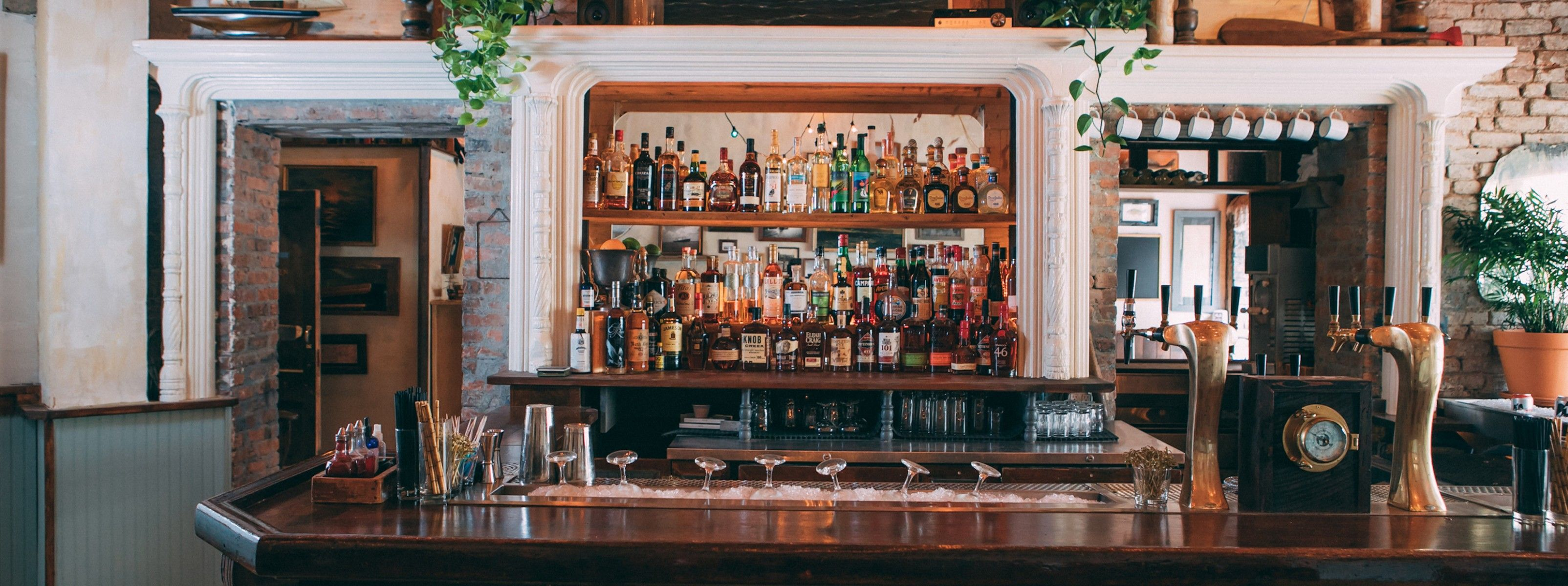 cfde72f9db63 The Best Happy Hours In Manhattan - New York