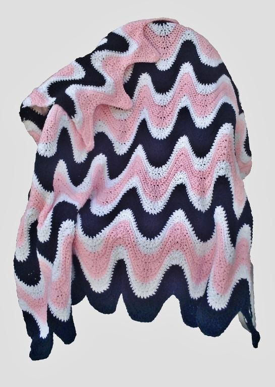 3 Color Exaggerated Ripple Afghan | Manta