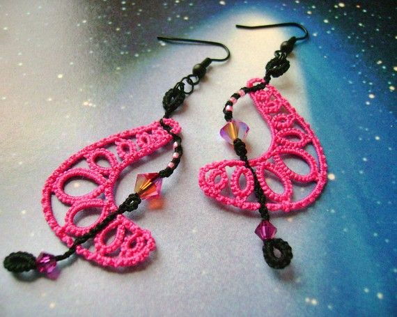 Boomerang pink tatted earrings by yarnplayer on Etsy, $32.00