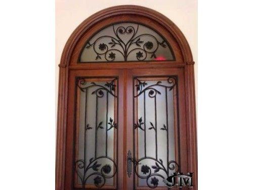 Adornos para puertas y portones de madera navidad for Modelos de portones de hierro y madera