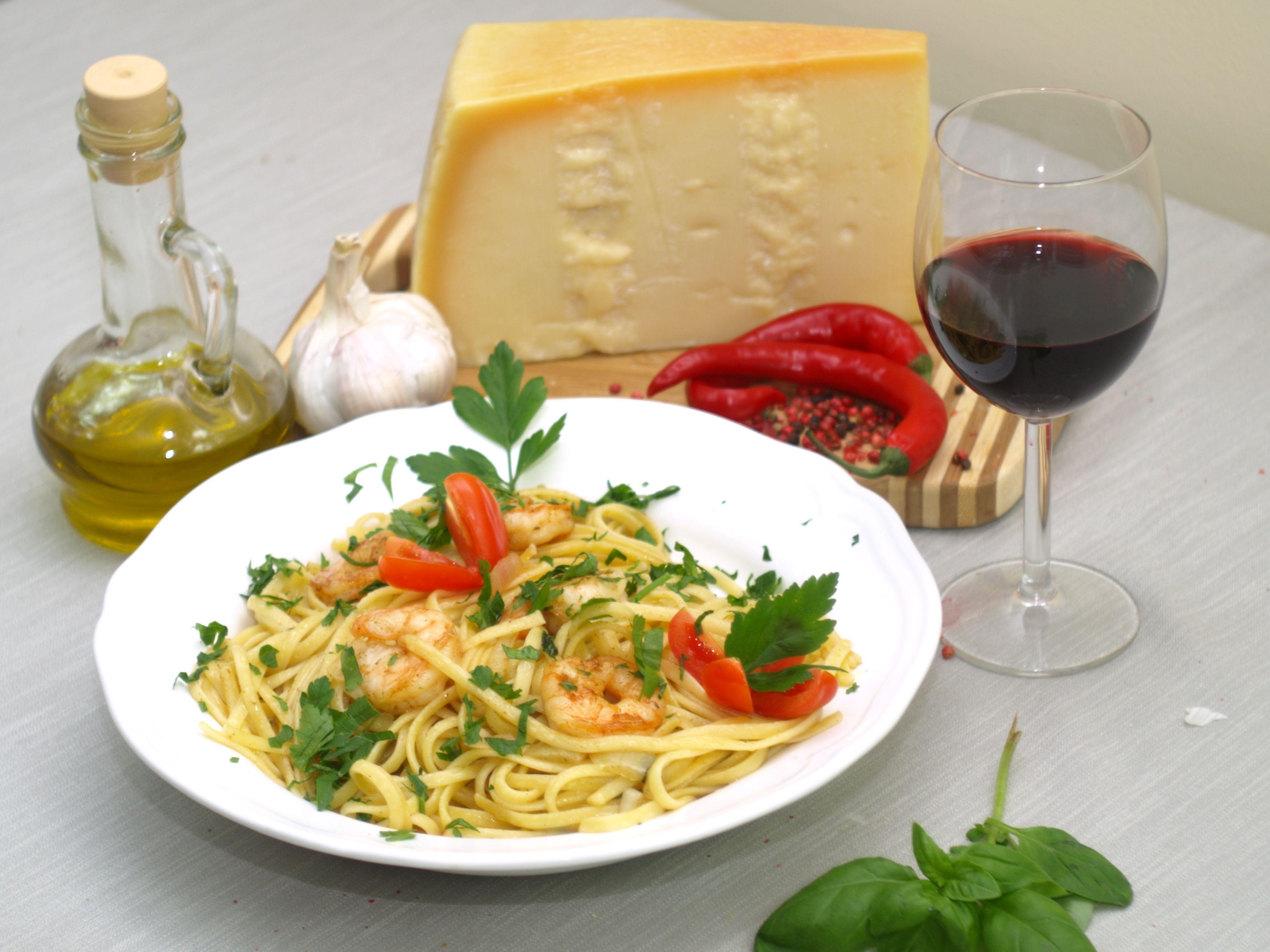 linguine con gamberetti od http://www.restauracjabazylia.pl