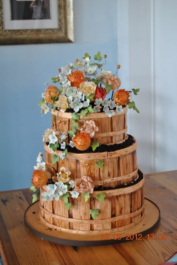 bushel basket wedding cake bushel basket of flowers cake like the basket could 12262