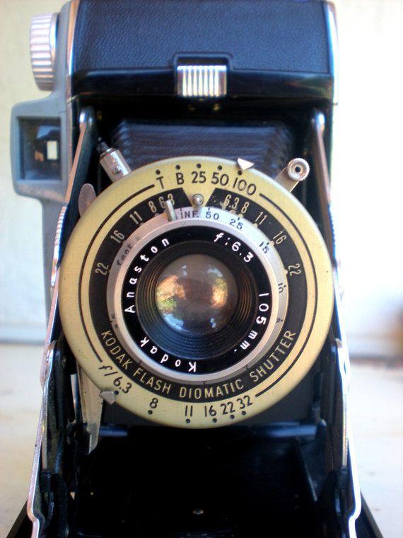 i love vintage cameras!