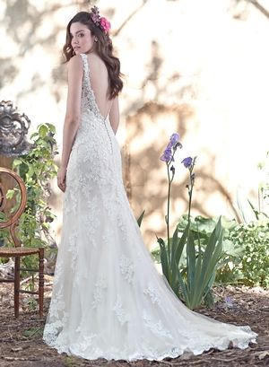 THE BACK OF MY FUTURE WEDDING DRESS I love everything about it