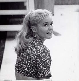 Vintage Glamour Girls: Tuesday Weld | Tuesday weld, Beautiful women, Actors & actresses