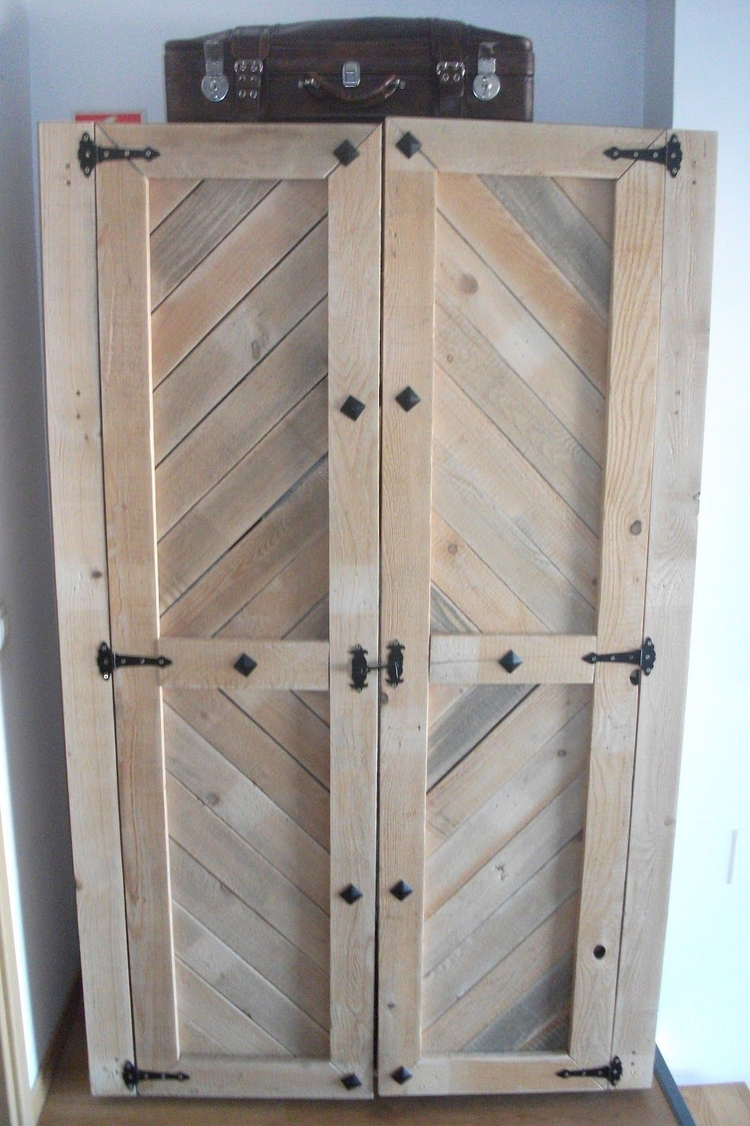 Ventanas hechas de paletas de maderas buscar con google for Cosas con madera reciclada