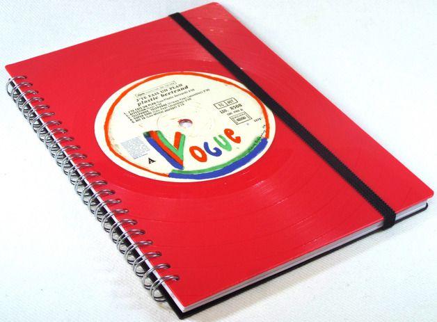 *Das außergewöhnliche und rockige Geschenk für jeden Anlass!  Notizbuch aus Red Vinyl-J´TE EAIS UN PLAN    *  Notizbuch, Ringbuch vorne und hinten mit Vinyl Abdeckungen aus echten Schallplatten...