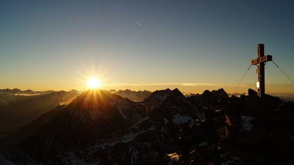 Sonnenuntergang Landschaft #Reise  mach #Urlaub und erlebe den Sonnenuntergang