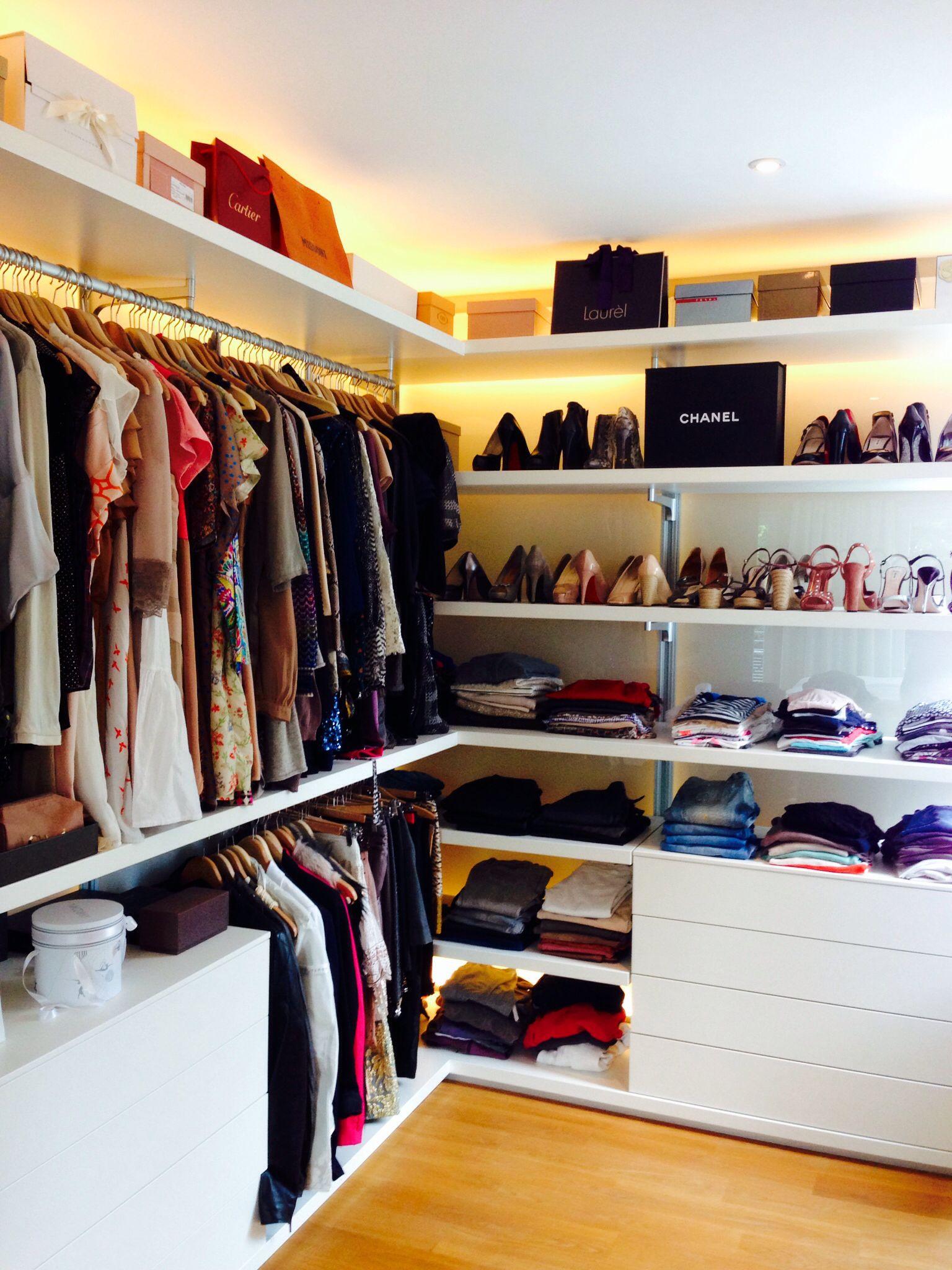 begehbarer Kleiderschrank   Garderobe schrank ...