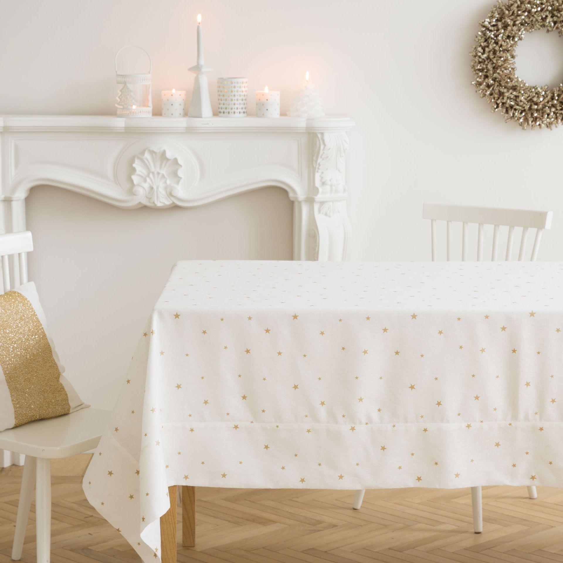 Tischdecke und servietten aus leinen und baumwolle mit for Tisch design servietten