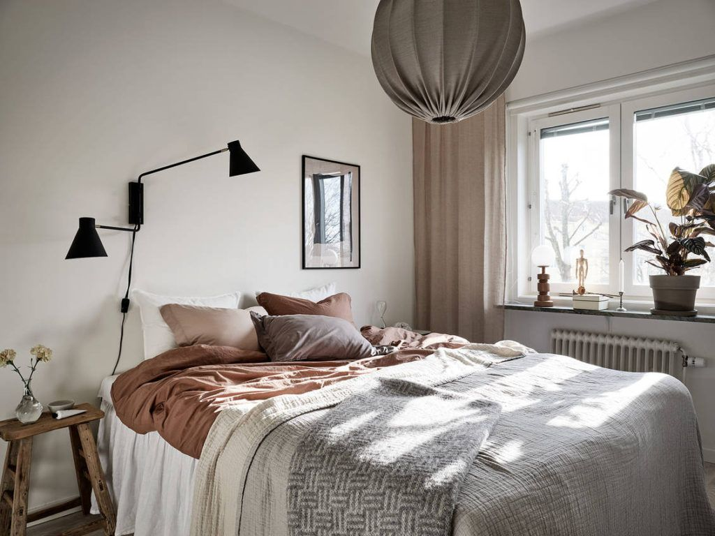 Cozy bedroom in a warm palette - COCO LAPINE DESIGN in ...