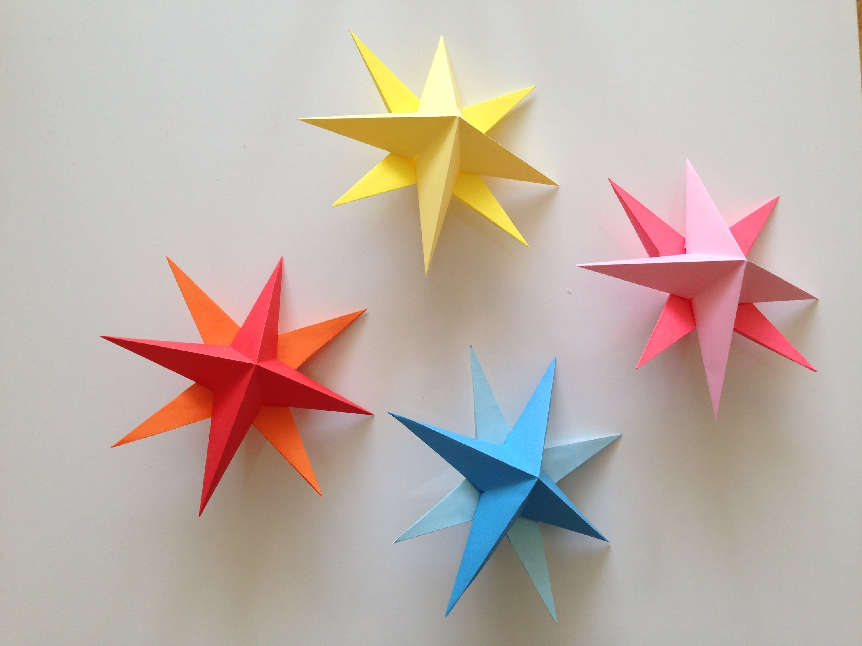 How to make simple 3d origami paper stars cards for Make a 3d star