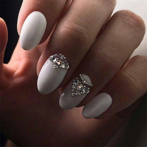 Маникюр со стразами 2020-2021 – фото модного дизайна ногтей со стразами, новинки и тренды   Ногти невесты, Свадебный маникюр, Ногти