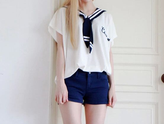Navy Neck Long T-shirt on Luulla