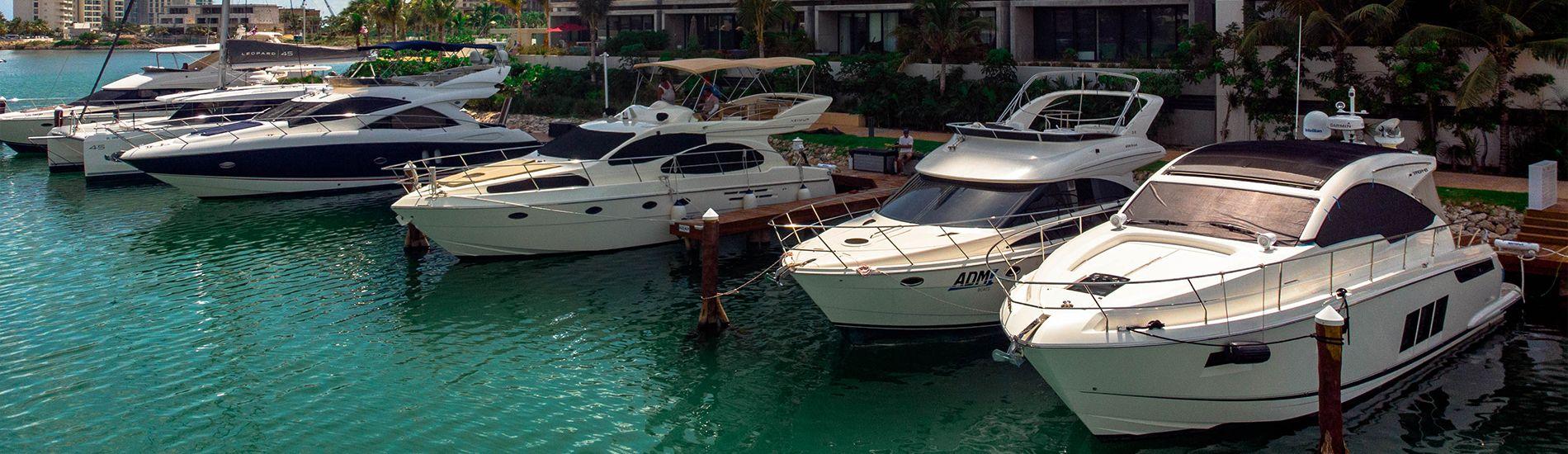 Ven y cotiza en Marina Muelle 7 Cancún.