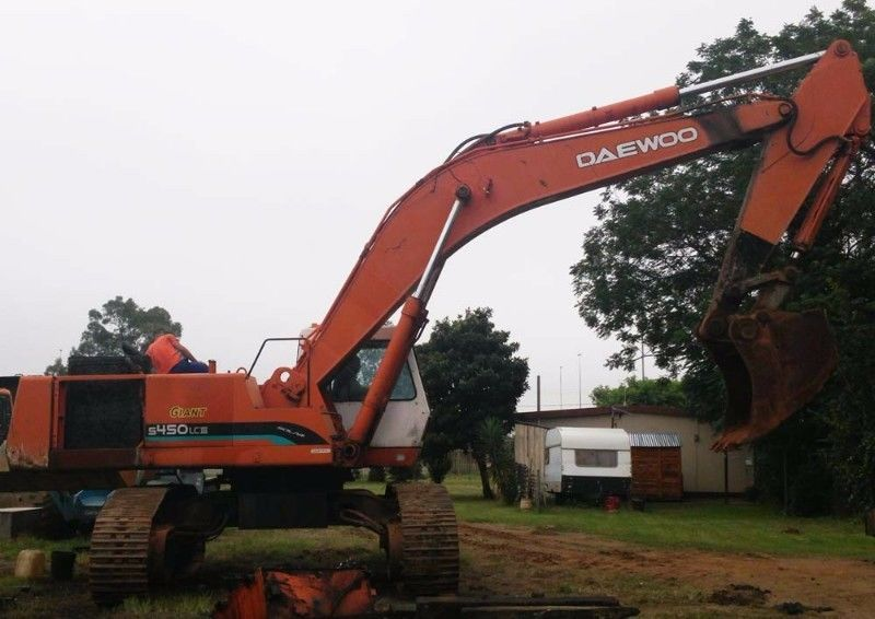Doosan S450 LC3Stripping for spares.For more information