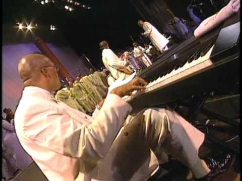 I'm So Thankful - Walter Hawkins & the Love Center Choir