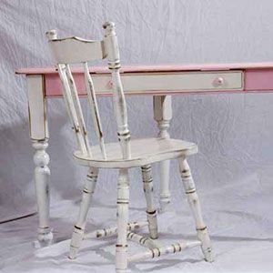 Cute Pink And White Distressed Desk And Chair Set White Distressed Desk Distressed Desk Desk Chair Set