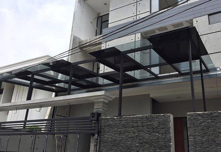kanopi baja ringan atap kaca rumah minimalis dengan