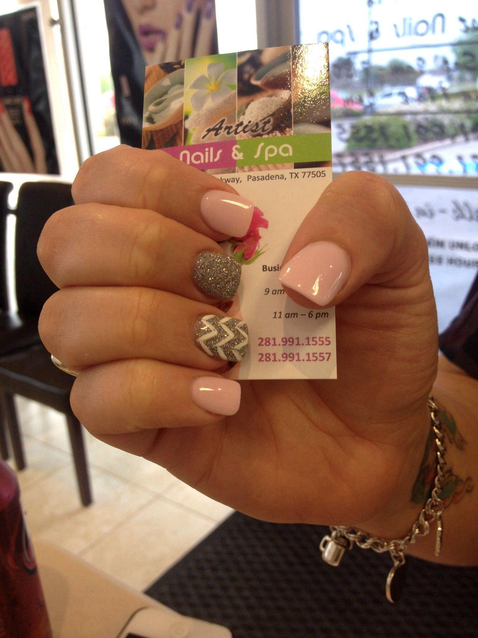 Pastel Pink And Silver Glitter Nails With A Chevron Designs Nails Short Acrylic Nails Nail Designs