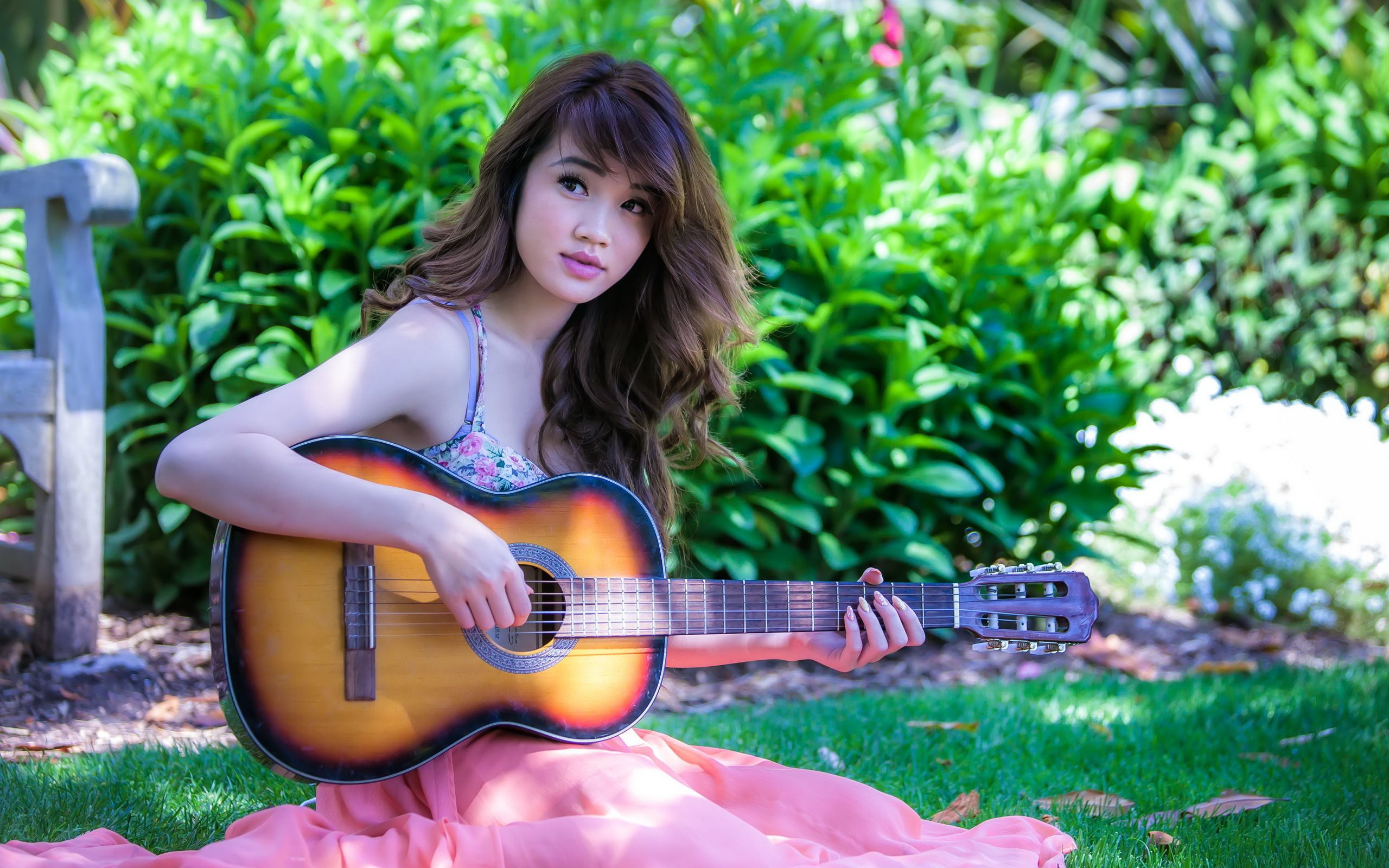 Chicks with Guitar | ... stylish profile pictures for facebook for ...