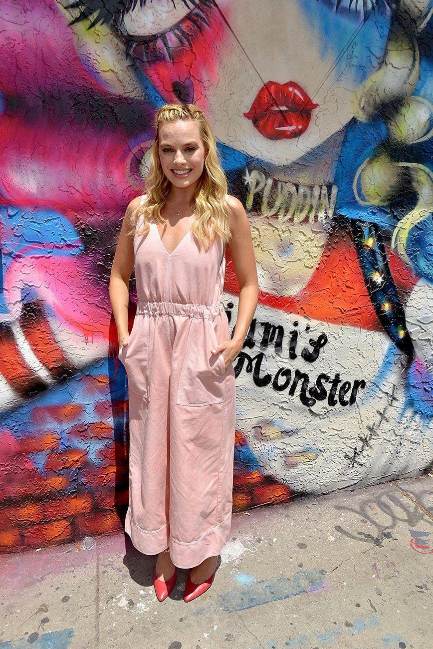 Jumpsuit rosa palo   Margot Robbie   Pinterest