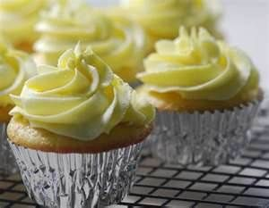 www.lemoncurd cupcakes - Bing Images