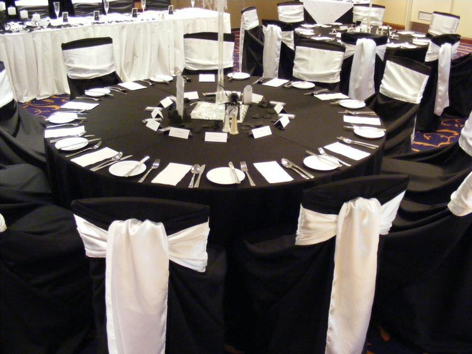 Simple Black And White Table Arrangement Table Arrangements