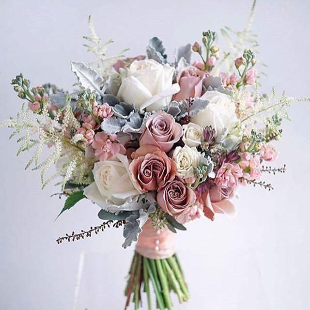 Hochzeitstorten Blumen Hochzeitstorten In 2020 Blumenstrauss Hochzeit Altrosa Hochzeit Herbstliche Hochzeitsblumen