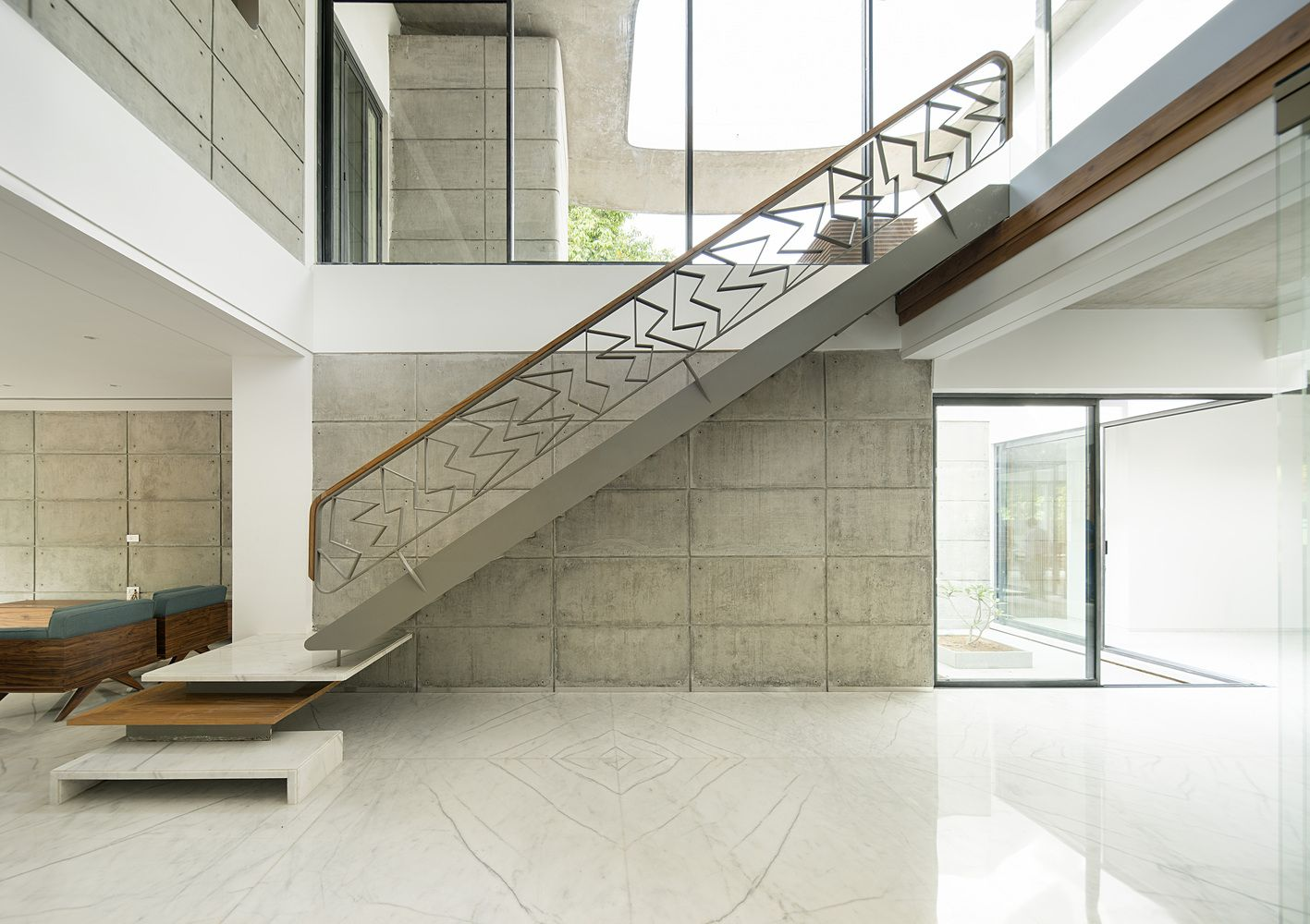 Gallery Of Residence 1065 Charged Voids 9 In 2020 Modernist Architects Hall Interior Design Architect