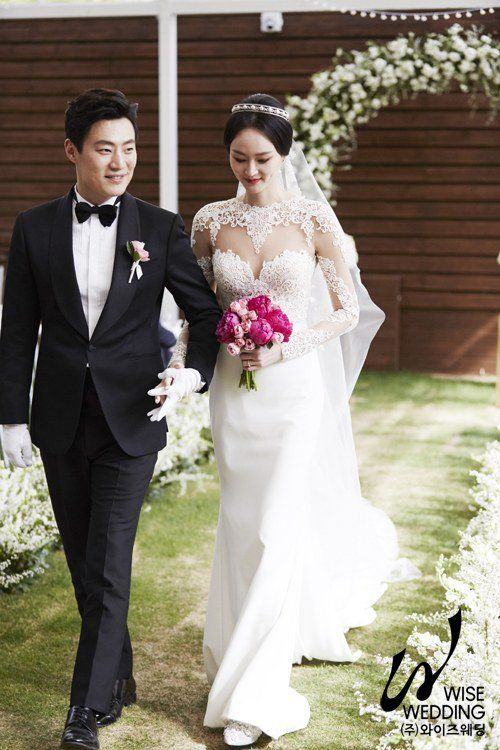 Lee Hee Joon And Hye Jung Reveal Photos From Their Wedding Hancinema