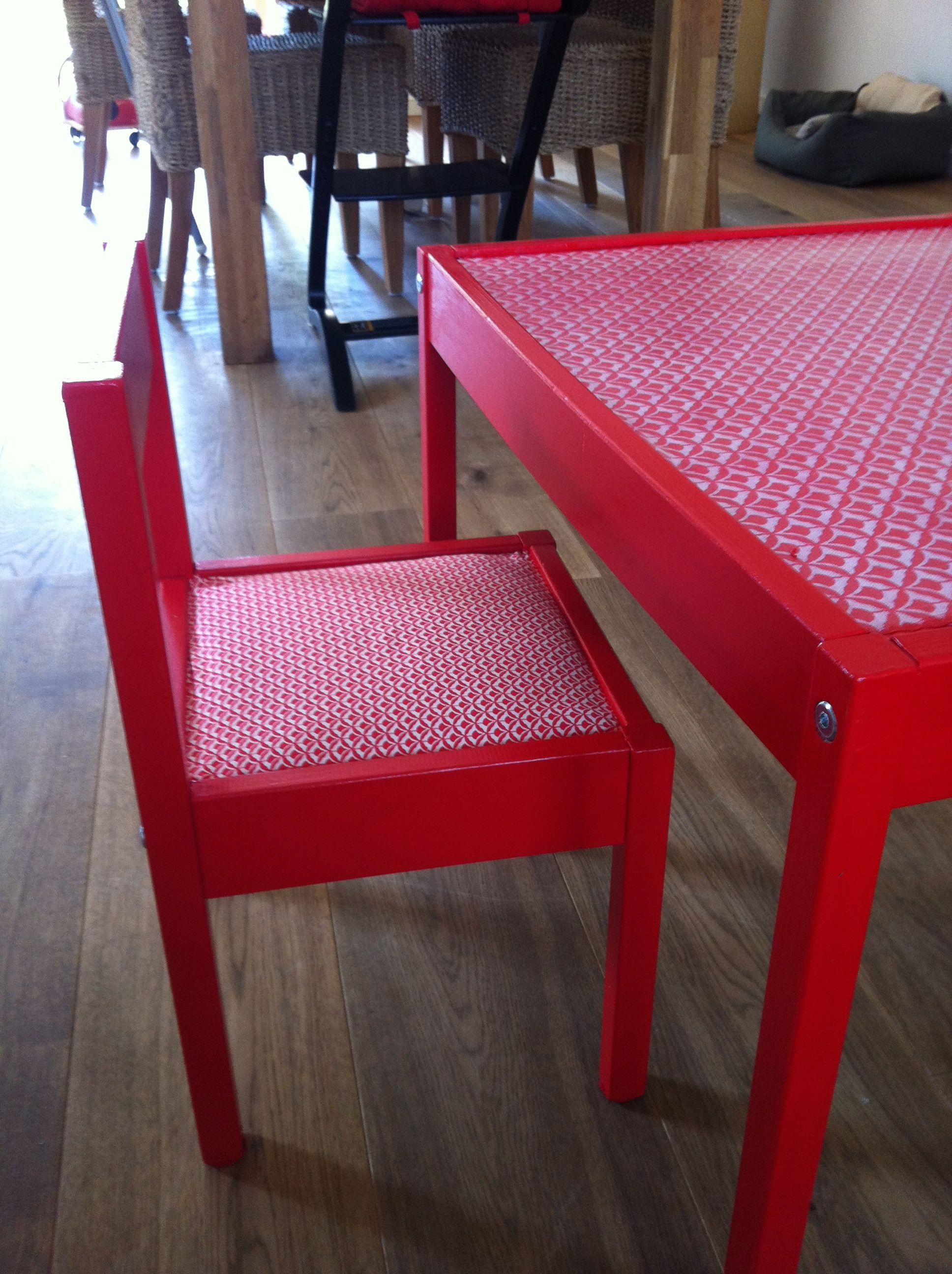ikea tafeltje en stoel pimpen zelfgemaakt pinterest. Black Bedroom Furniture Sets. Home Design Ideas
