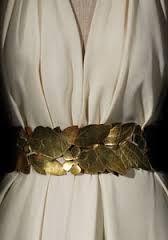 Resultado de imagen para vestidos de fiesta blanco con dorado