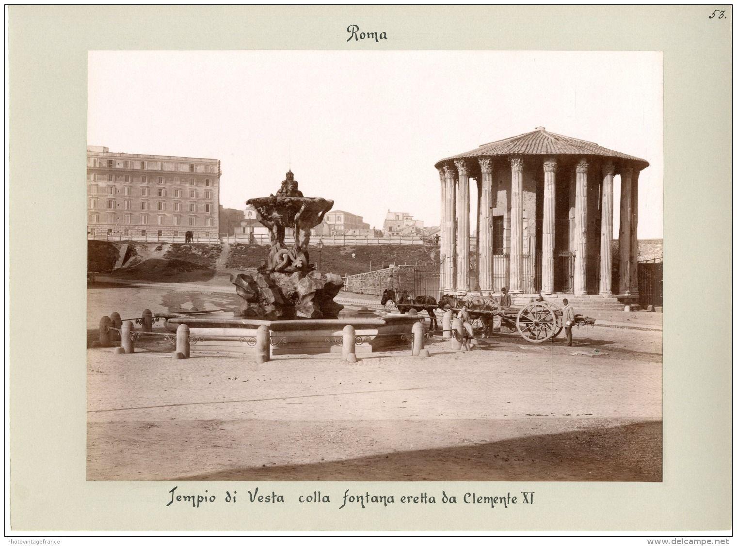 Tempio di Vesta colla fontana eretta da Clemente XI  Année : 1880