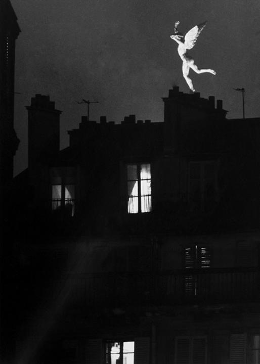 Le génie de la Bastille immortalisé par Robert Doisneau en 1955
