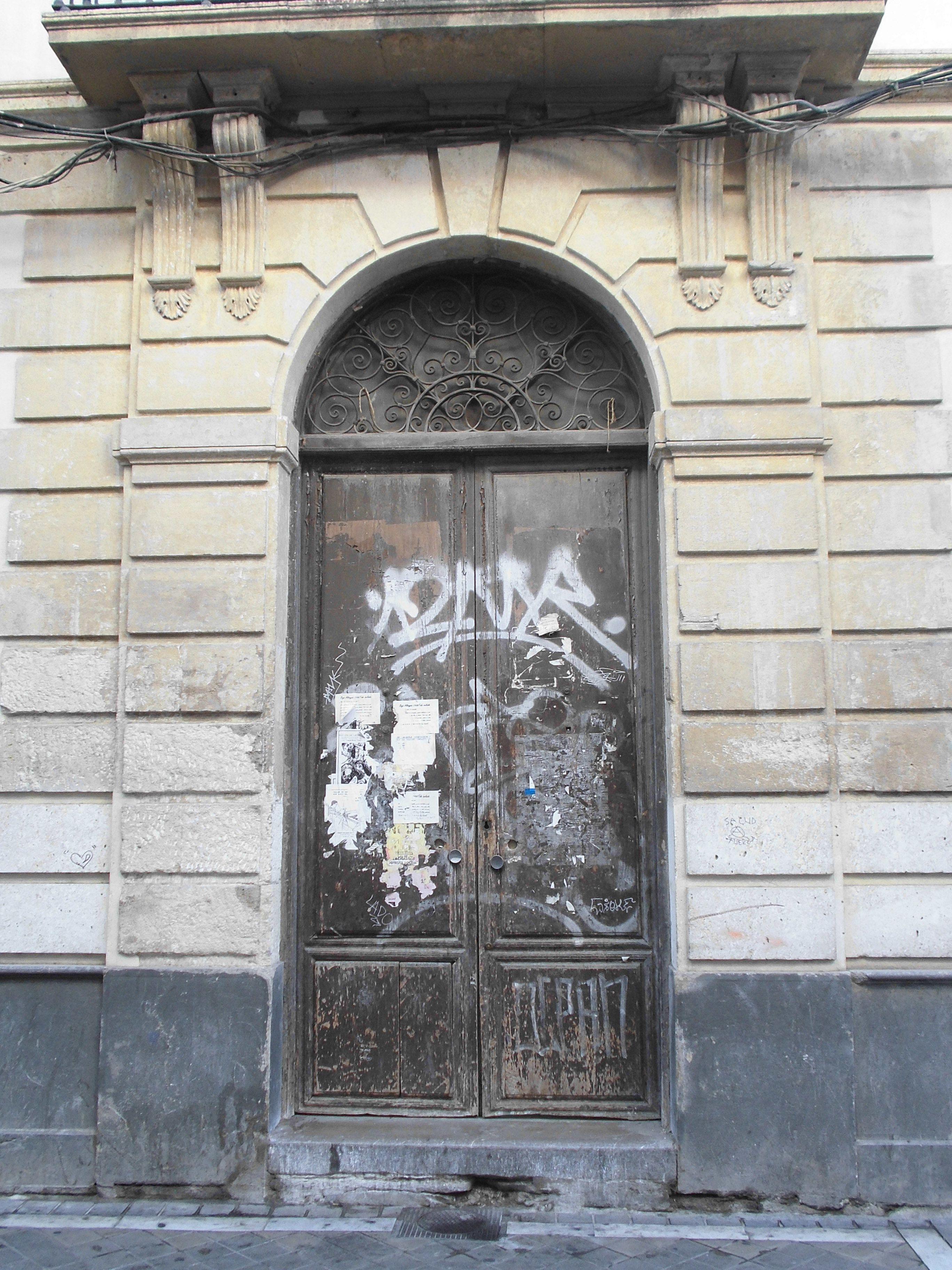 Vieja puerta en el Realejo -Granada