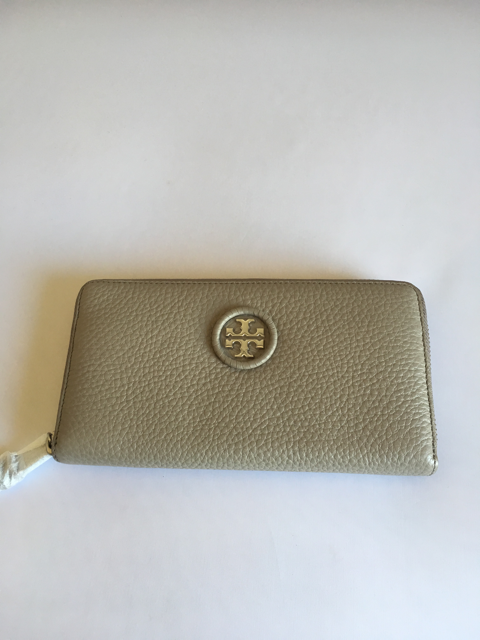 6773265003d Tory Burch whip stitch logo zip continental wallet