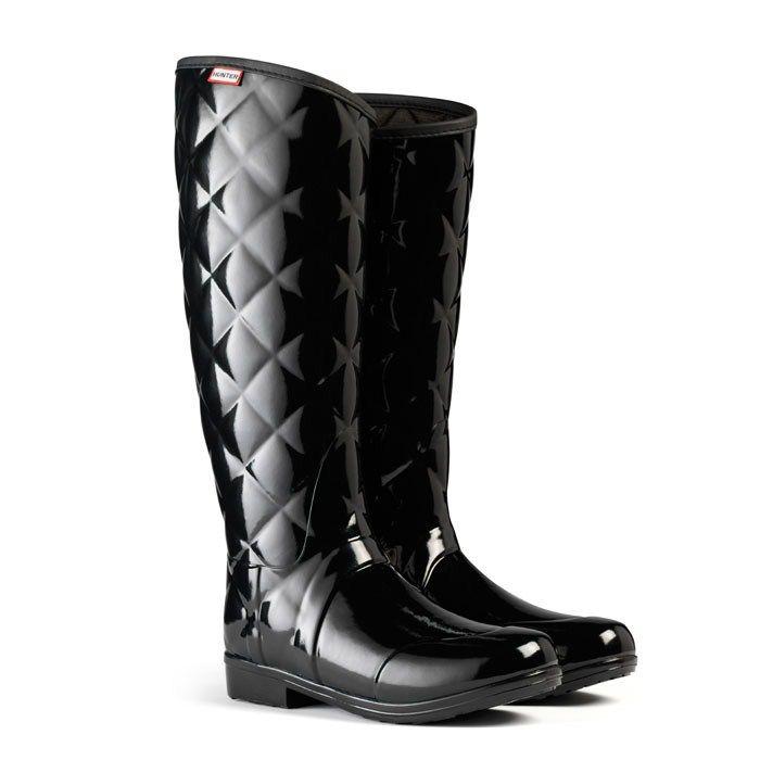 Hunter Ladies' Regent Sandhurst Savoy Wellington Boots - Black The Regent  Sandhurst Savoy has a luxurious quilted yet sleek and streamlined upper leg  which ...