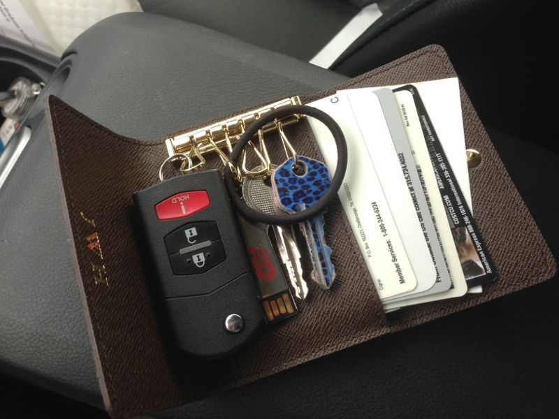 26e121d5 LV 6 Key Holder - keeps all driving essentials on hand for minimal ...