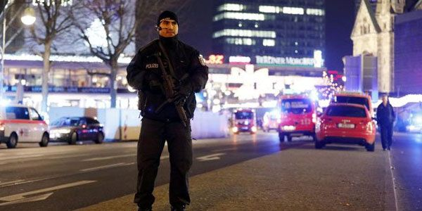 Berlin police chief says 'uncertain' Pakistani suspect behind attack