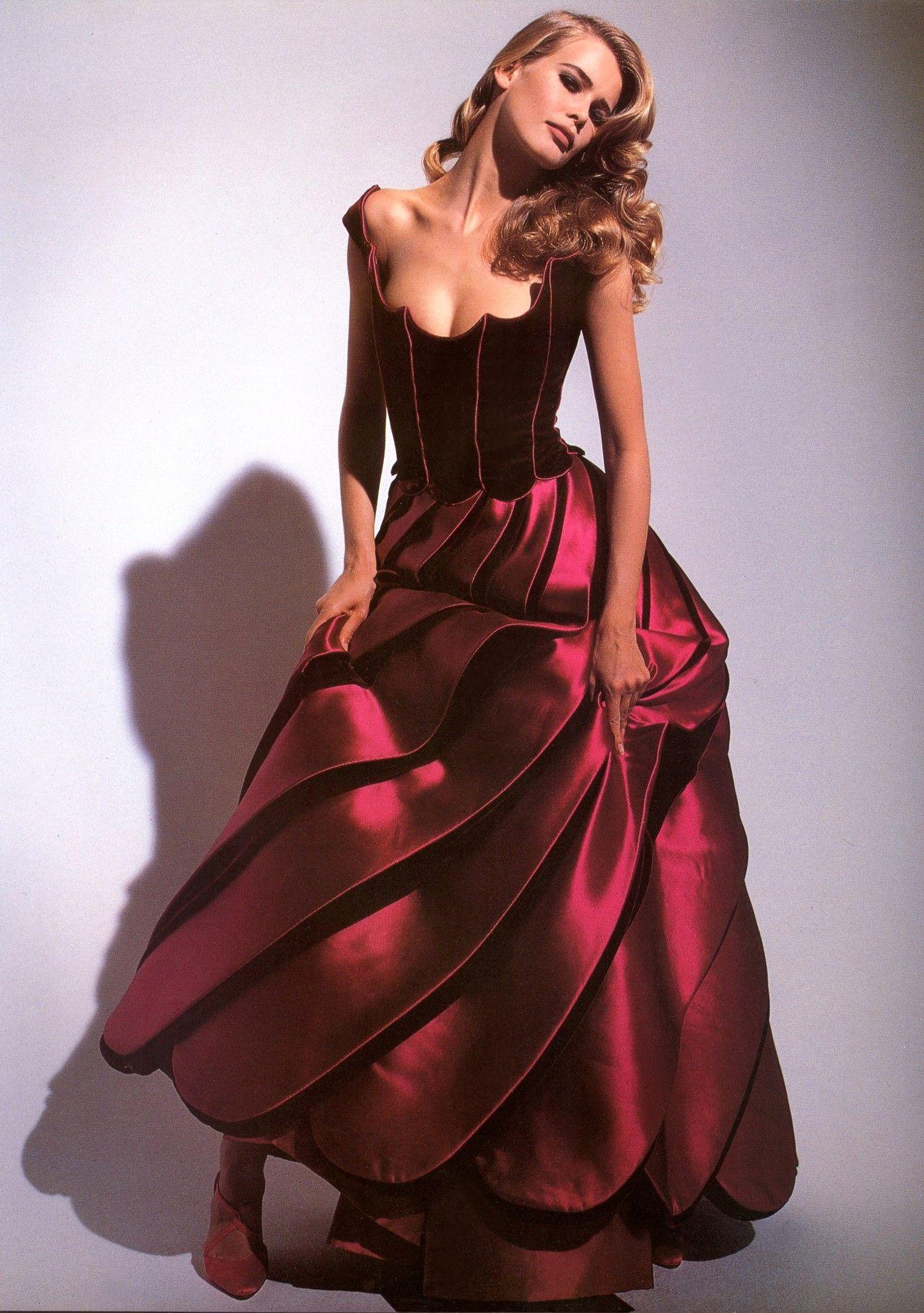 Valentino Haute Couture Fall 1991  bc7674d33