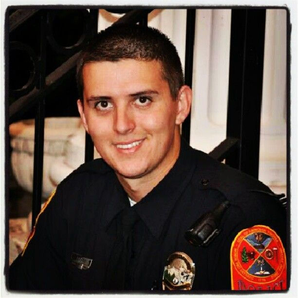 Officer lee austn caine smith, a hero to everyone and a true angel may he rest in peace