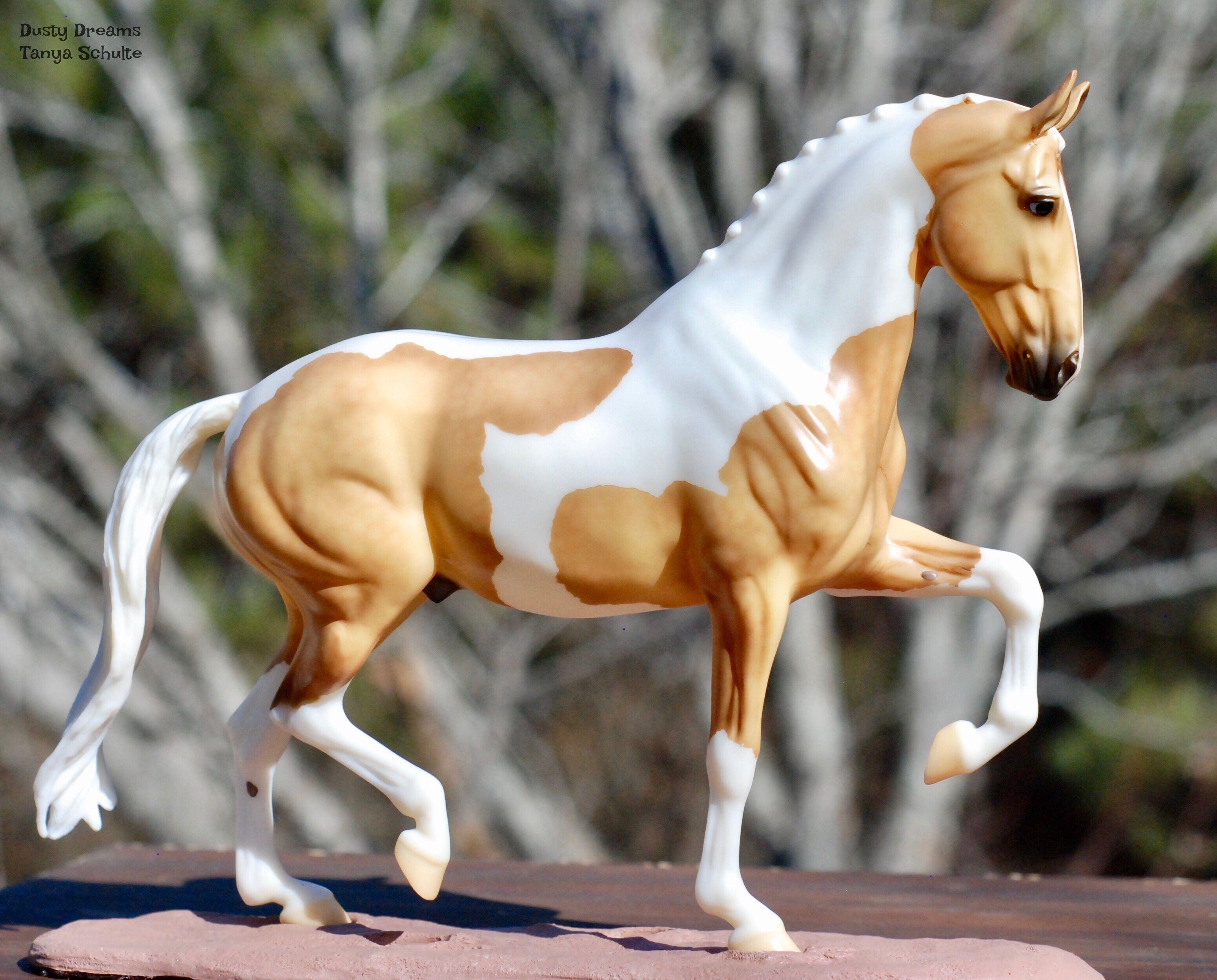 шкафу картинки лошадей брейер на природе признаки