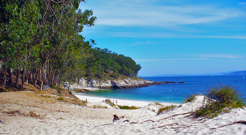 Las Mejores Playas Nudistas De Galicia Playas Nudistas Playas Paradisiacas Islas