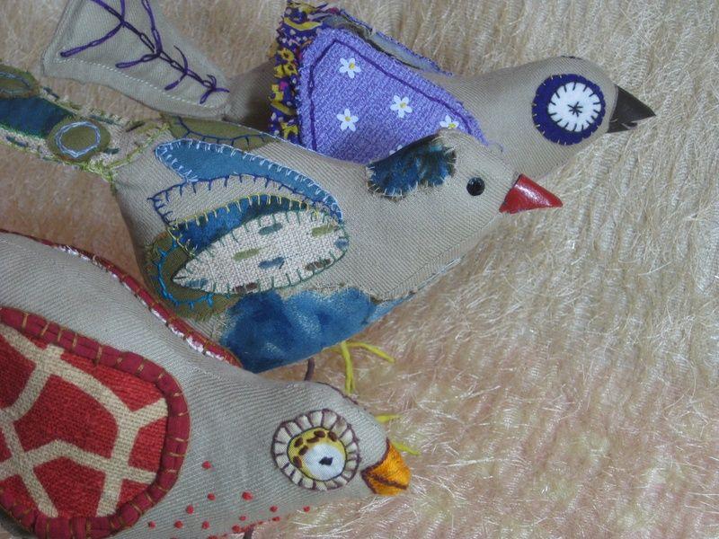 Resultaten van de workshop vogels maken bird textile fabric embroidery